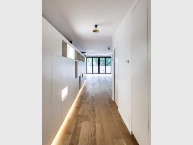 gorge lumineuse corniche led plafond gorge lumineuse led. Black Bedroom Furniture Sets. Home Design Ideas