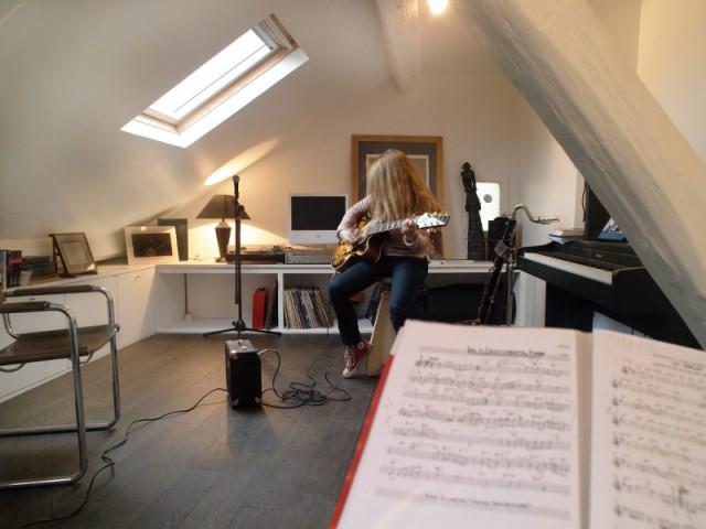 Un salon de musique sous les toits