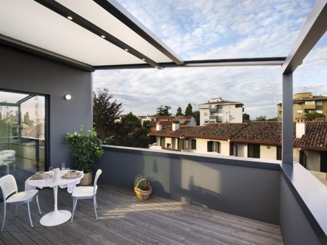 Une pergola Xtesa pour une villa contemporaine