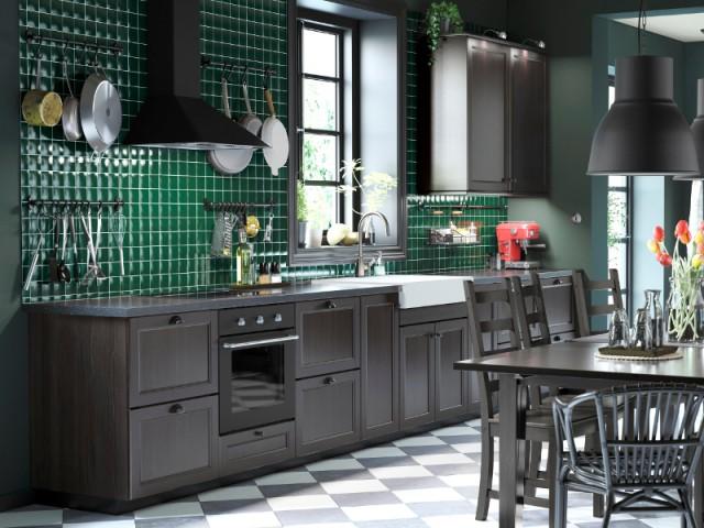Le noir et le vert pour une cuisine au style décal