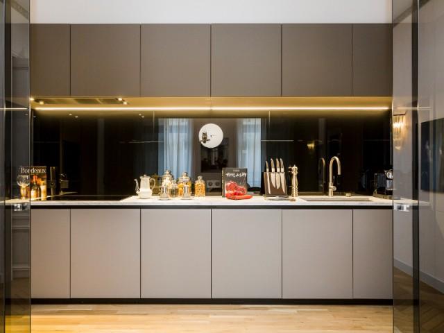 Une cuisine géométrique et sobre