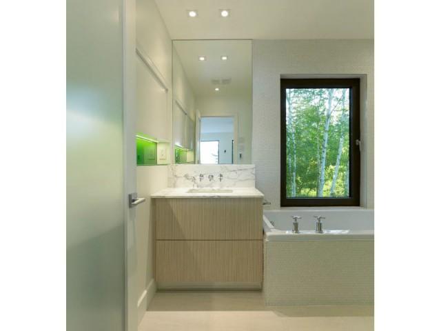 Chalet à Saint-Donat (Canada) : salle de bains - Chalet à Saint-Donas (Canada)