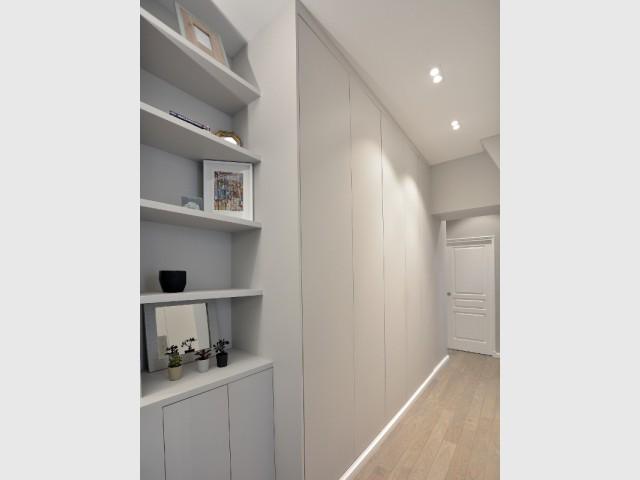 Un couloir dressing