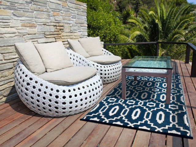 tapis de terrasse 10 mod les pour s 39 inspirer. Black Bedroom Furniture Sets. Home Design Ideas