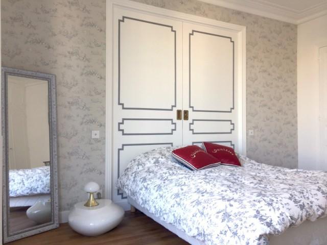 Des portes en tête de lit