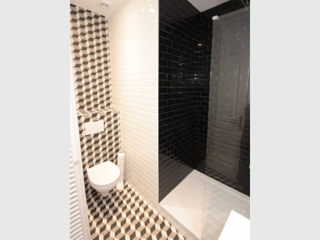des carreaux de m tro dans la salle de bains. Black Bedroom Furniture Sets. Home Design Ideas