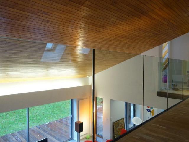 Décoration contemporaine - Rénovation maison des années 80 en villa contemporaine