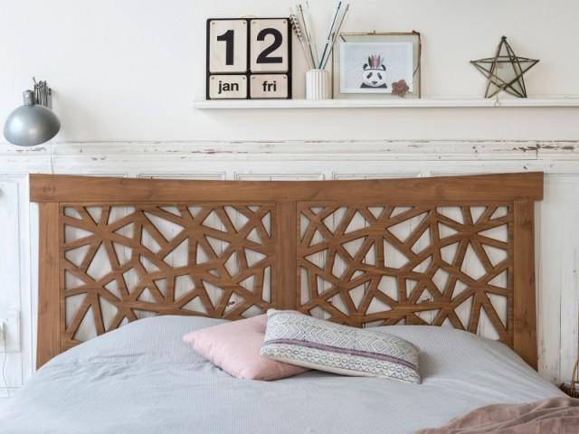 Des têtes de lit se parent de bois