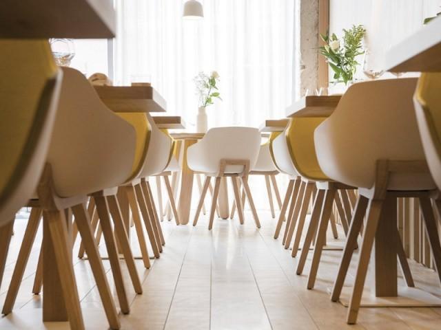 Un sol en carrelage effet parquet - Restaurant Le Prairial, à Lyon