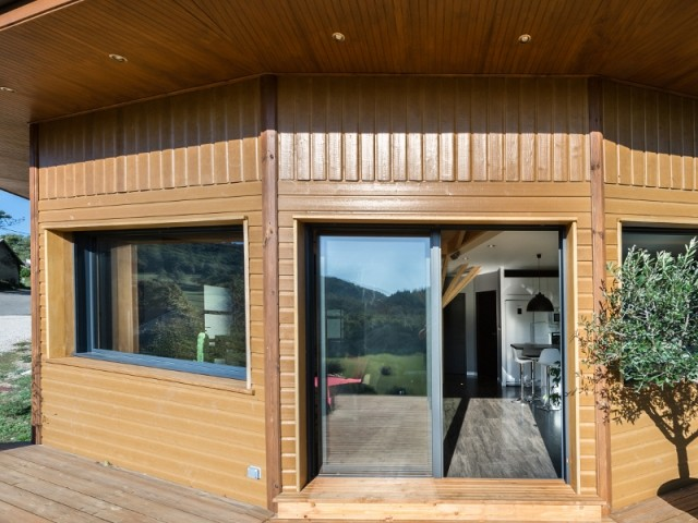Une maison ossature et bardage bois