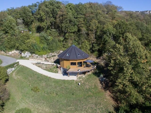 Une maison au coeur de la montagne