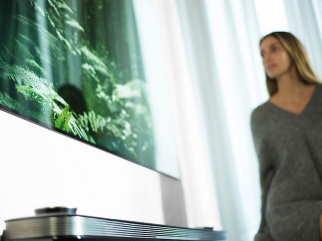 Le téléviseur ultra fin Signature W7