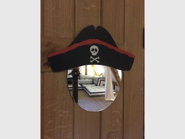"Une chambre au total look ""pirates"""