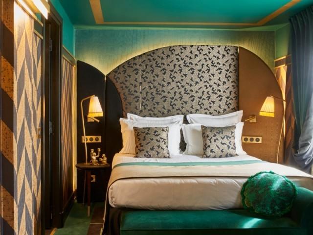 L'une des chambres Emeraude de l'hôtel Maison Nabis Paris