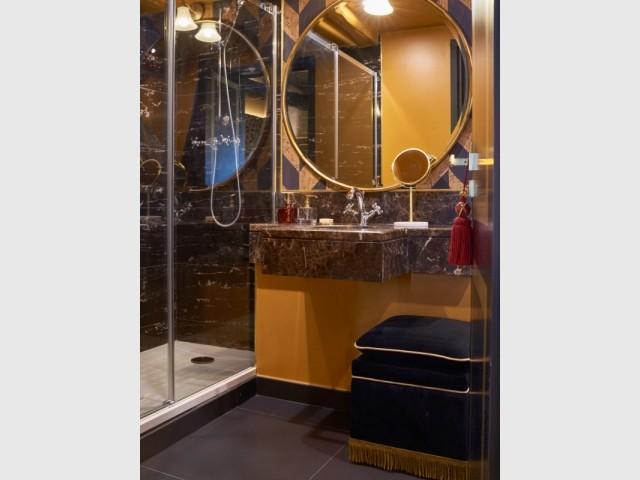 L'une des salles de bains de l'hôtel Maison Nabis Paris