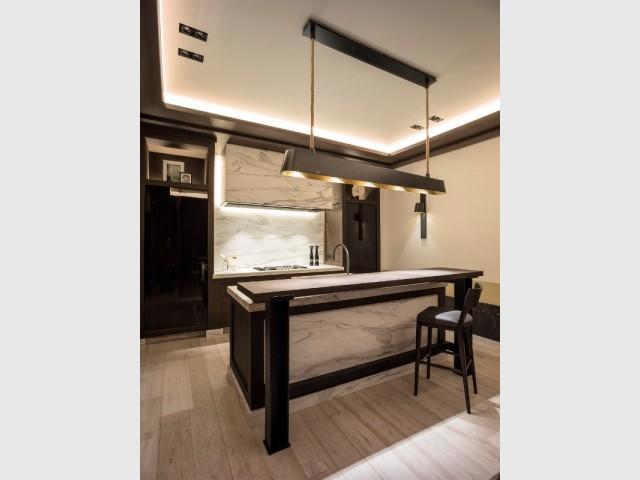 Total look marbre pour une cuisine sophistiquée