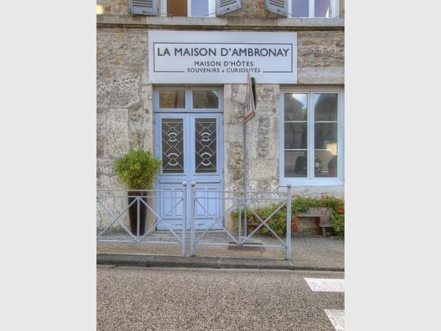 La façade classée de la Maison d'Ambronay