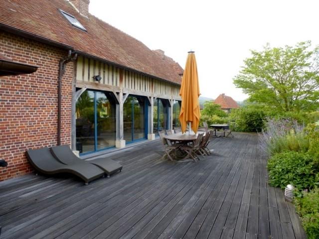 La terrasse et la façade avant les travaux