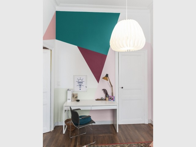 peinture des triangles sur mon mur. Black Bedroom Furniture Sets. Home Design Ideas