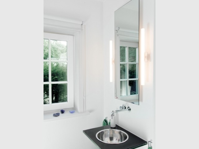 Un radiateur qui se transforme en miroir