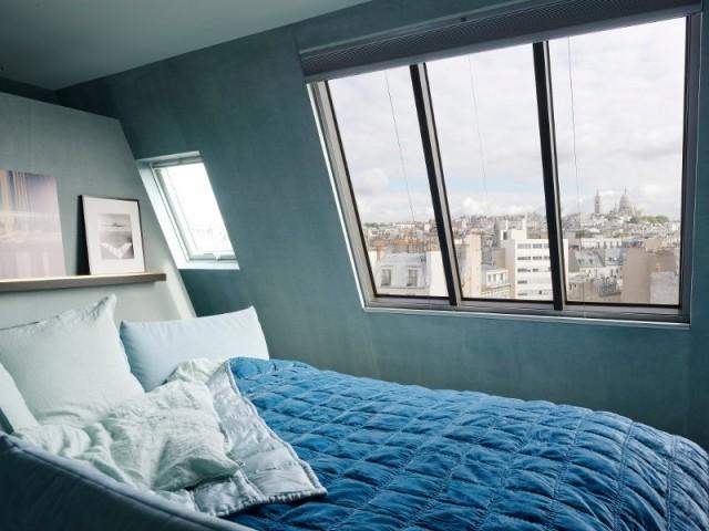 Vue sur les toits de Paris à partir de son lit...