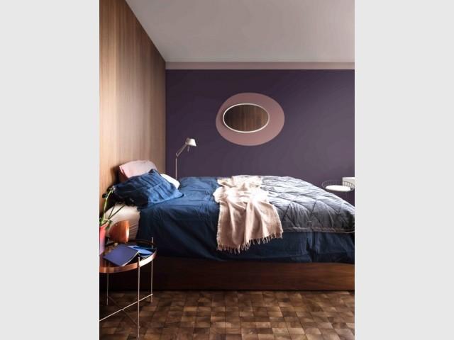 Brun cachemire, couleur de l'année 2018, dans une chambre