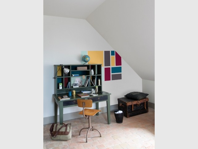 Collection peintures Colorissim dans un bureau