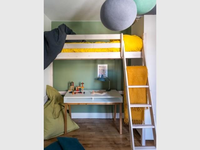 Nuance de vert dans la deuxième chambre d'enfant