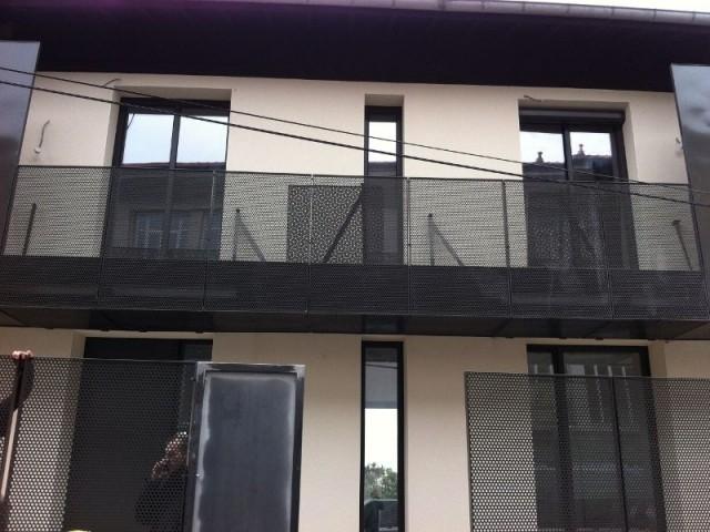 Création d'une ouverture verticale au centre de la façade - Maison réhabilitée à Lyon