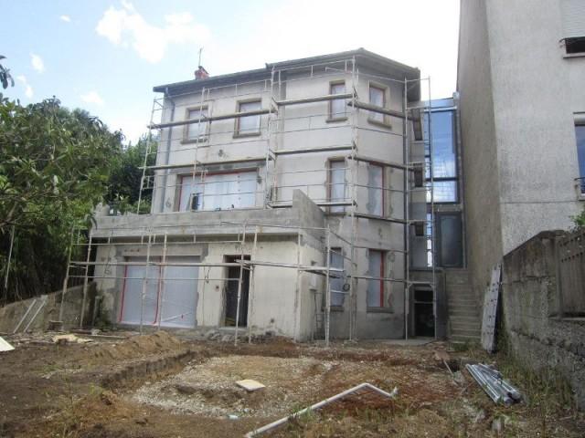 Une façade rénovée et modernisée - Maison réhabilitée à Lyon