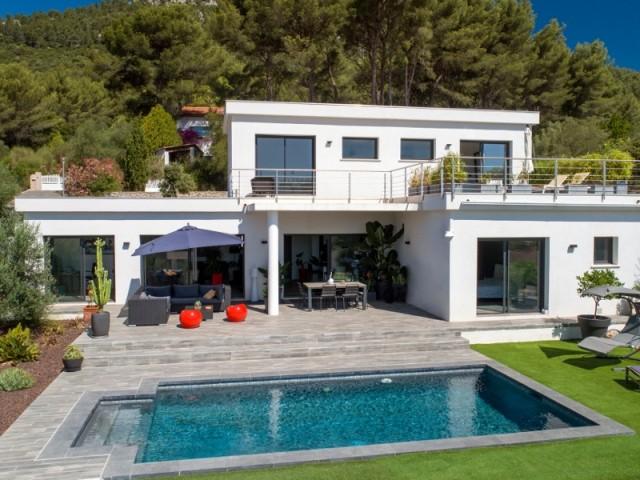 Une piscine en accord parfait avec la maison