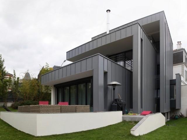 Maison neuve 3 blocs en zinc 3 terrasses for Maison moderne zinc