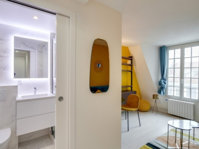 Une salle de bains qui brille