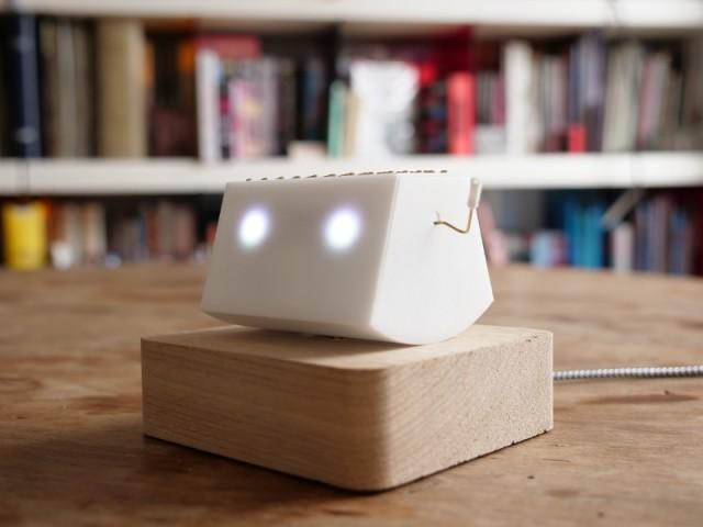 Un gadget pour les accros du smartphone  - TicBot/Orange