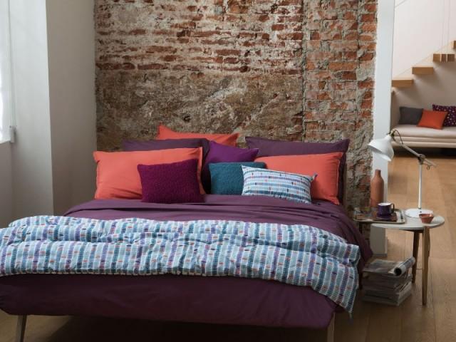 Choisir des draps violets dans sa chambre