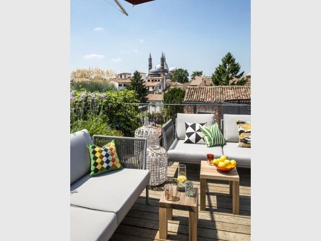 Une terrasse avec une vue à couper le souffle