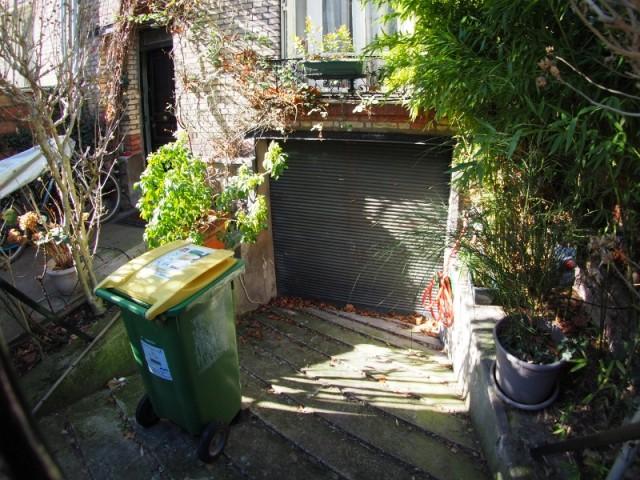 Avant : une entrée de garage
