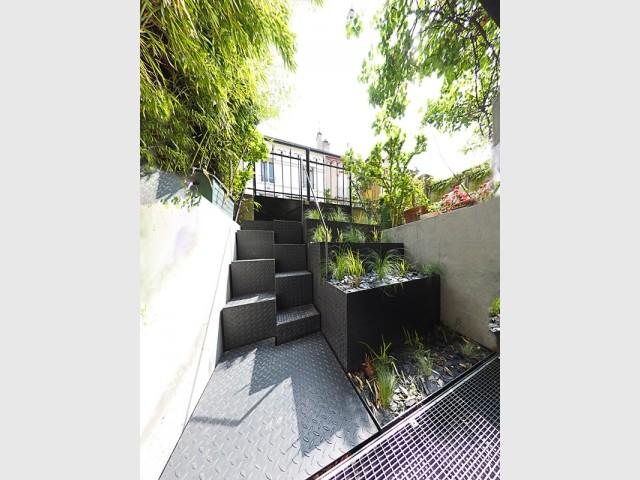Des jardinières aménagées en gradins
