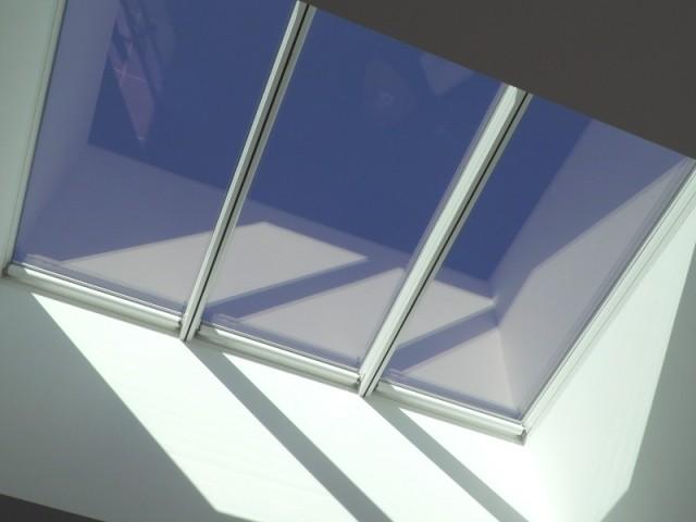 Une verrière en toiture plate