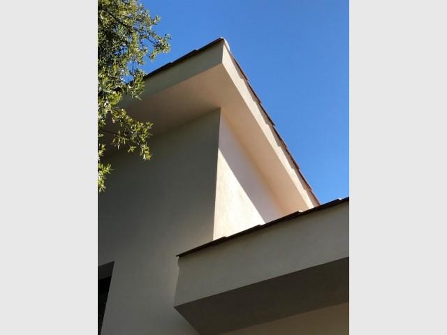 Une toiture avec des jeux de niveaux
