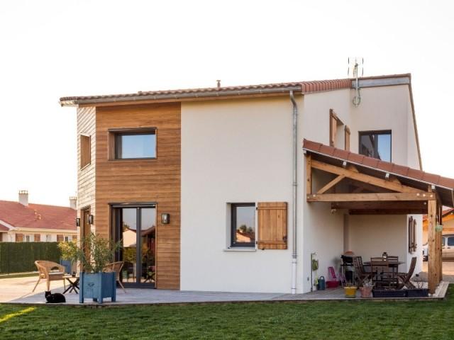 La maison a deux terrasses