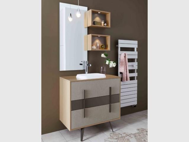 Des niches en bois... pour une salle de bains