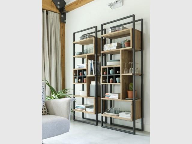Des niches en bois... pour une étagère