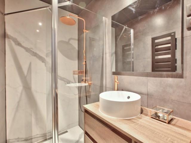 La salle de bains devenue plus fonctionnelle