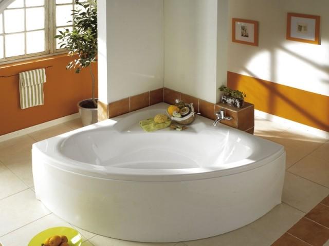Une baignoire qui organise les flux de circulation