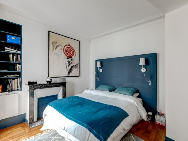 Une chambre parentale comme dans un hôtel - Un appartement haussmannien magnifié dans son intégralité