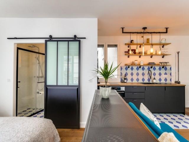 Salle de bains et cuisine au style industriel