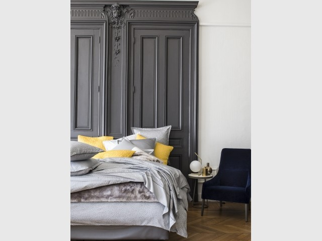 la porte au centre de la d co en 10 photos. Black Bedroom Furniture Sets. Home Design Ideas