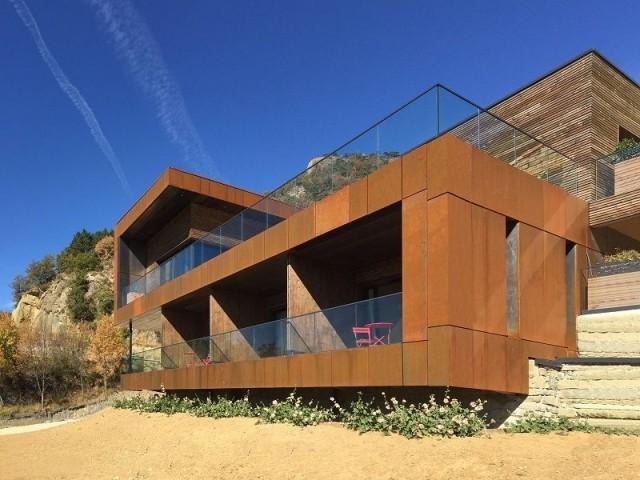 Bois et acier Corten pour une maison au coeur de la montagne
