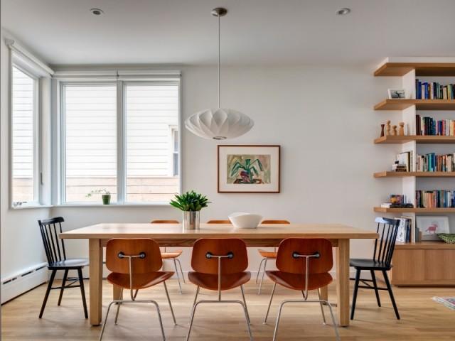 Une salle à manger avec une touche vintage